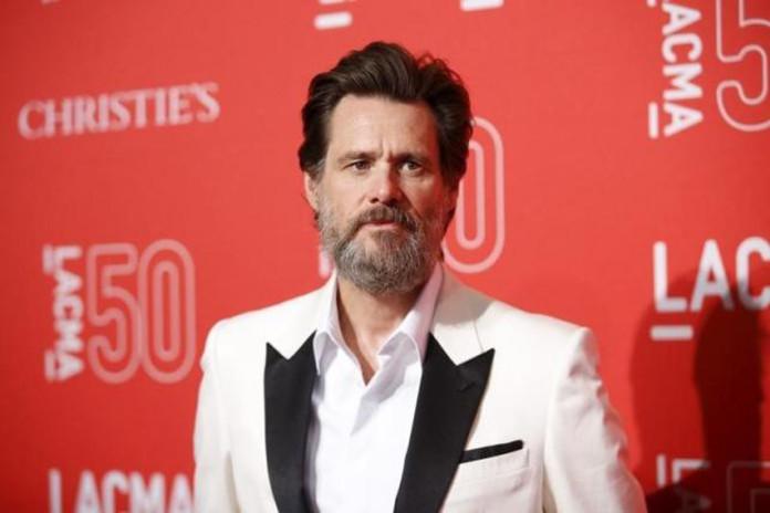 Actor Jim Carrey poses at LACMA's 50th anniversary gala in Los Angeles, California, April 18, 2015. REUTERS/DANNY MOLOSHOK