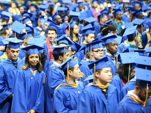 Tech Firms' Immigration Bill Targets College-Grad Salaries
